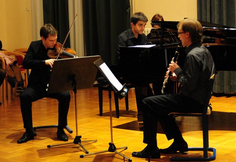 Avangard Trio